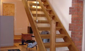 Как построить лестницу на второй этаж своими руками в частном доме
