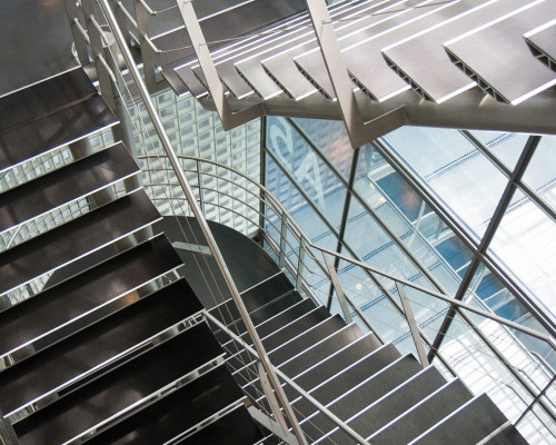 Лестницы из металла монтаж своими руками — инструкция с фото