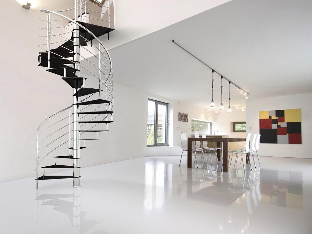 винтовая лестница с хромированной основой