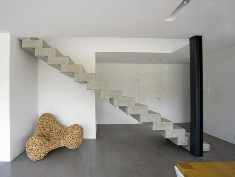 Монолитная лестница надежна